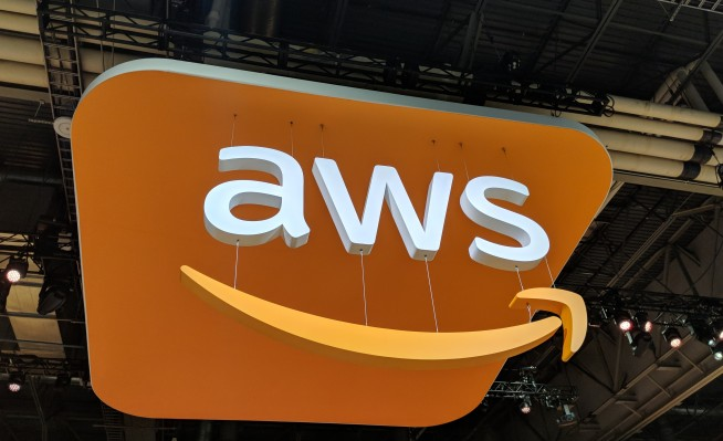 VMware pulls AWS's Relational Database Service into the data center