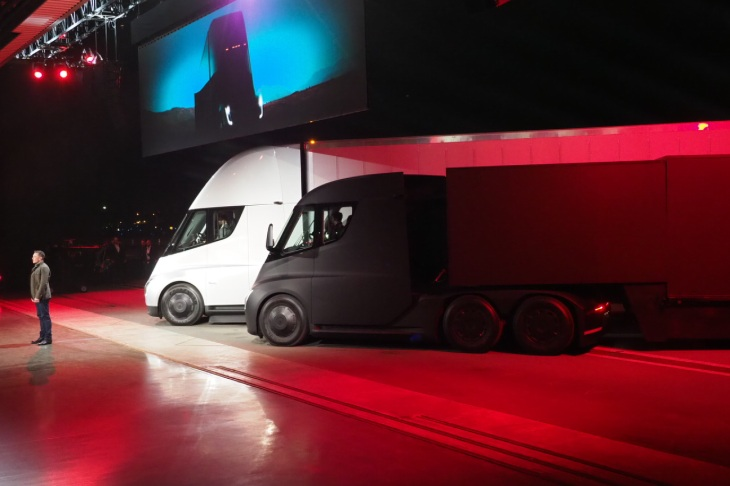This is Tesla's big new all-electric truck – the Tesla Semi