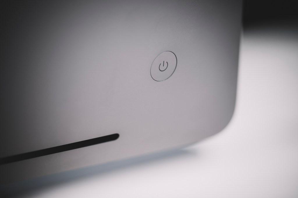 Apple iMac Pro power button
