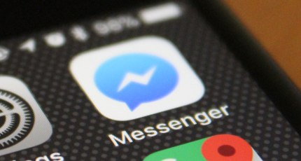 A bug is messing up the keyboard for some Messenger users on iPhones