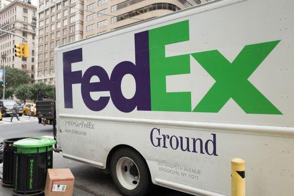 FedEx ทำสัญญาการส่งมอบภาคพื้นดินกับ Amazon thumbnail