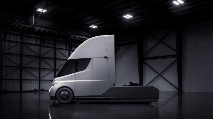 Elon Musk states Tesla Semi is ready for production, but restricted by battery cell output thumbnail