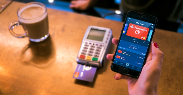 curve the fintech that connects all your cards to a single card and