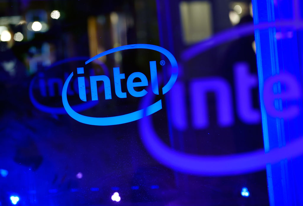 Researchers disclose new Spectre exploit variant, but Intel and AMD leave mitigation off by default