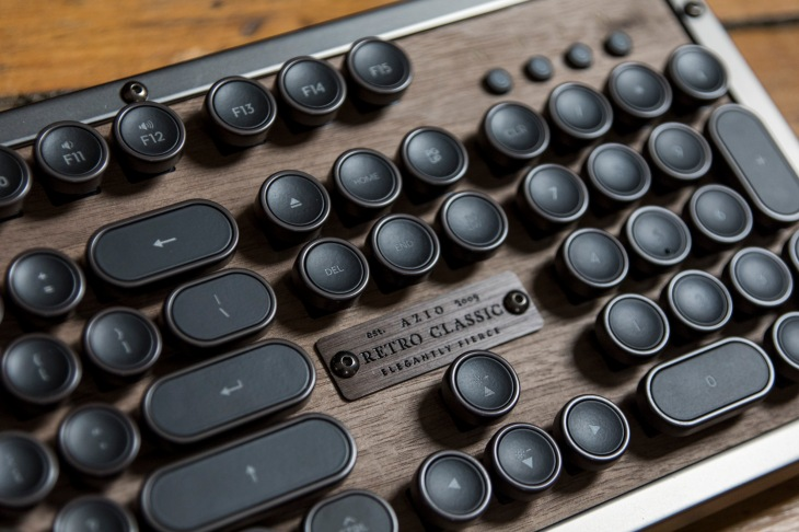 difference between typewriter and keyboard