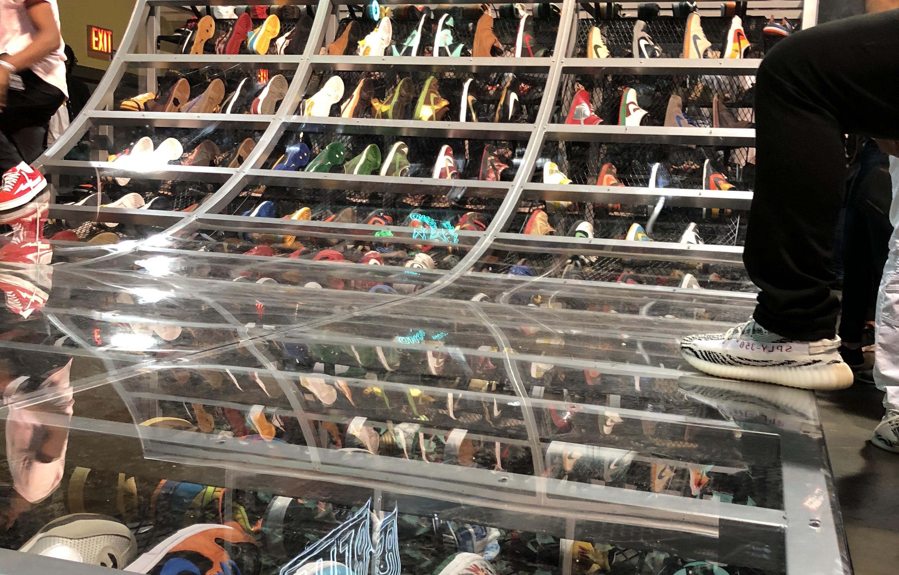 Sneakers for Men Flight Club  Flight Club