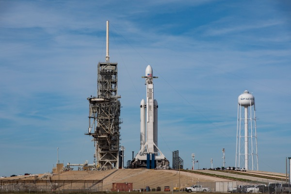 spacex-falcon-heavy-201.jpg?w=600