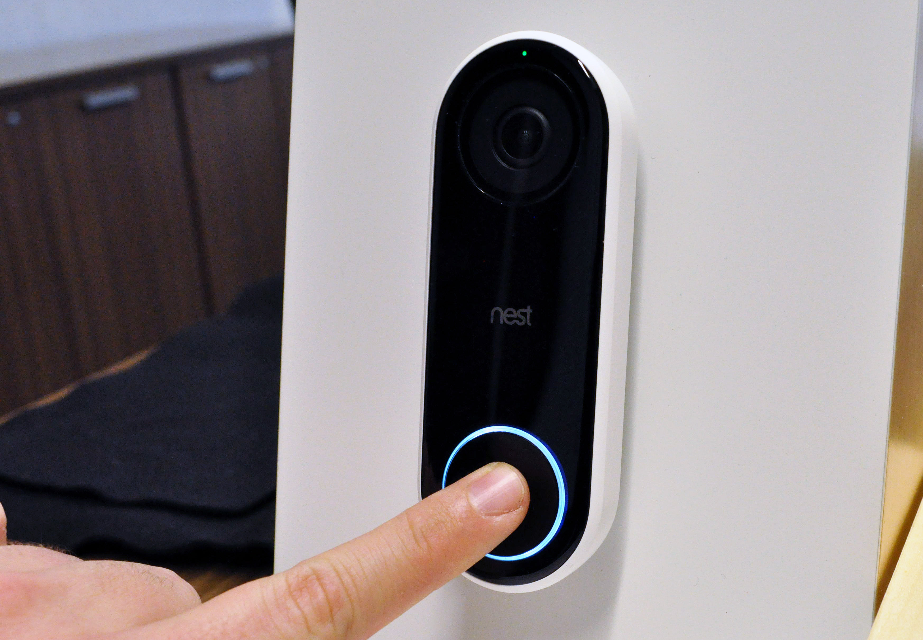 Back in September of last year Nest announced its first smart doorbell. When it would actually ship however was left sort of up in the air; ... & Nestu0027s video doorbell is now shipping | TechCrunch