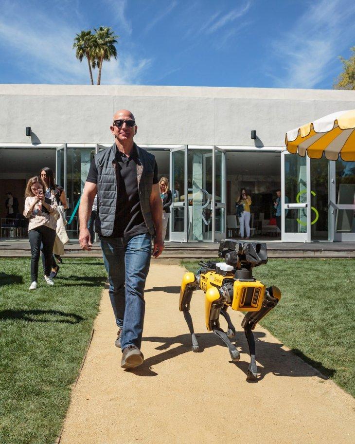 Jeff Bezos Friend To Robots Techcrunch