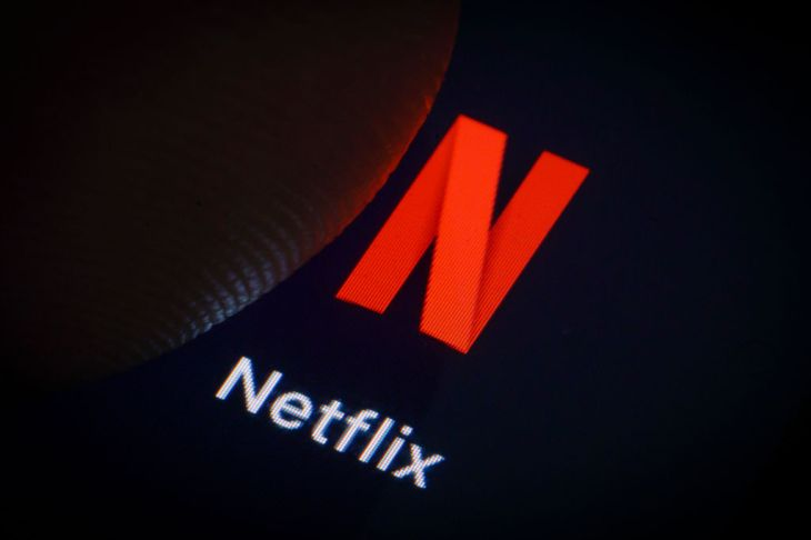 Comcast will start bundling Netflix into its cable