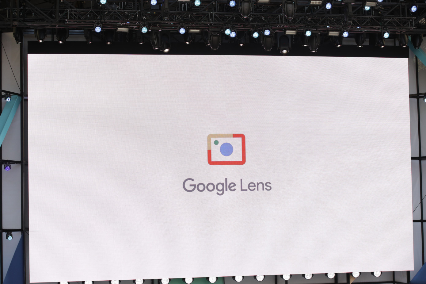 Google Lens on iPhones and iPads since today