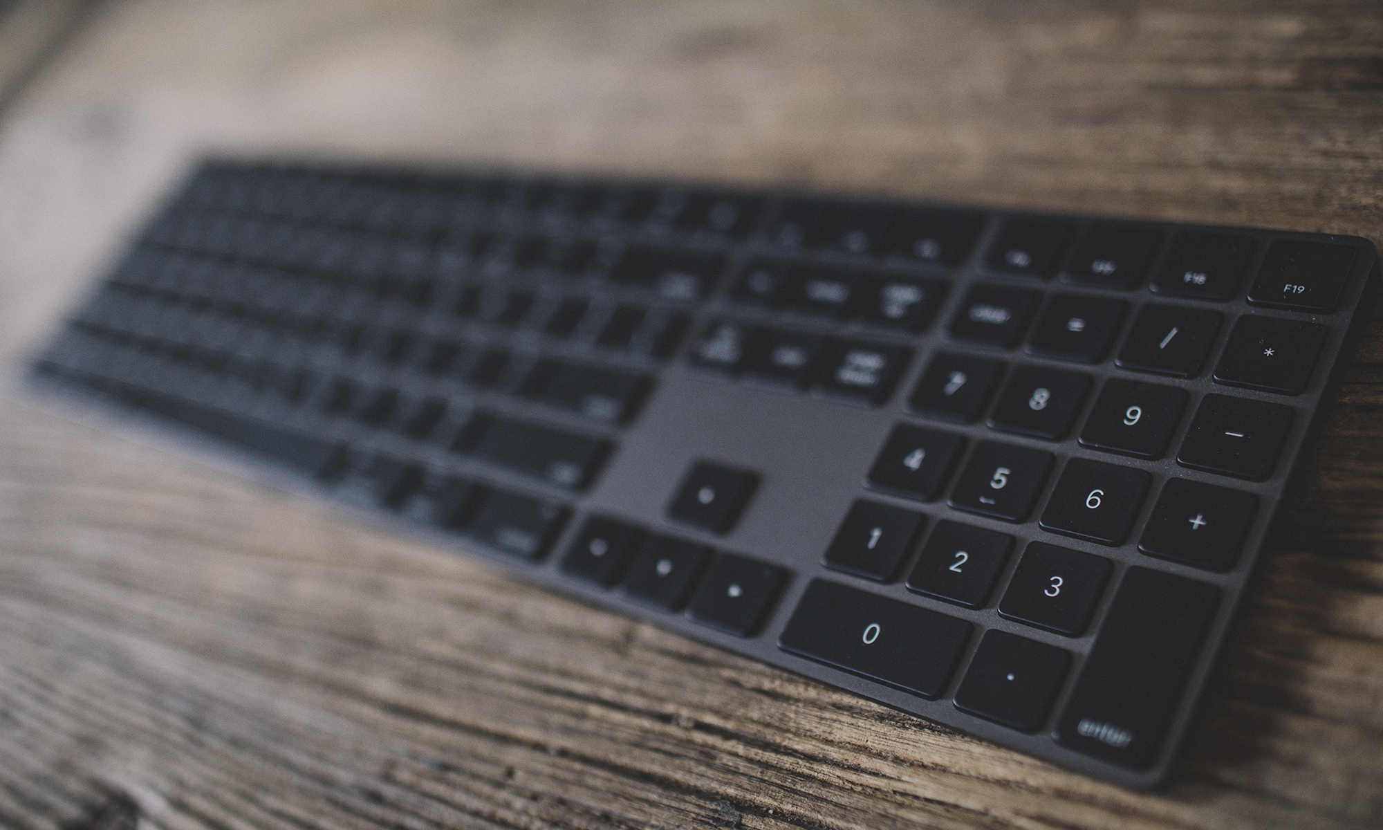 Apple Is Finally Selling The Space Gray Mouse Keyboard