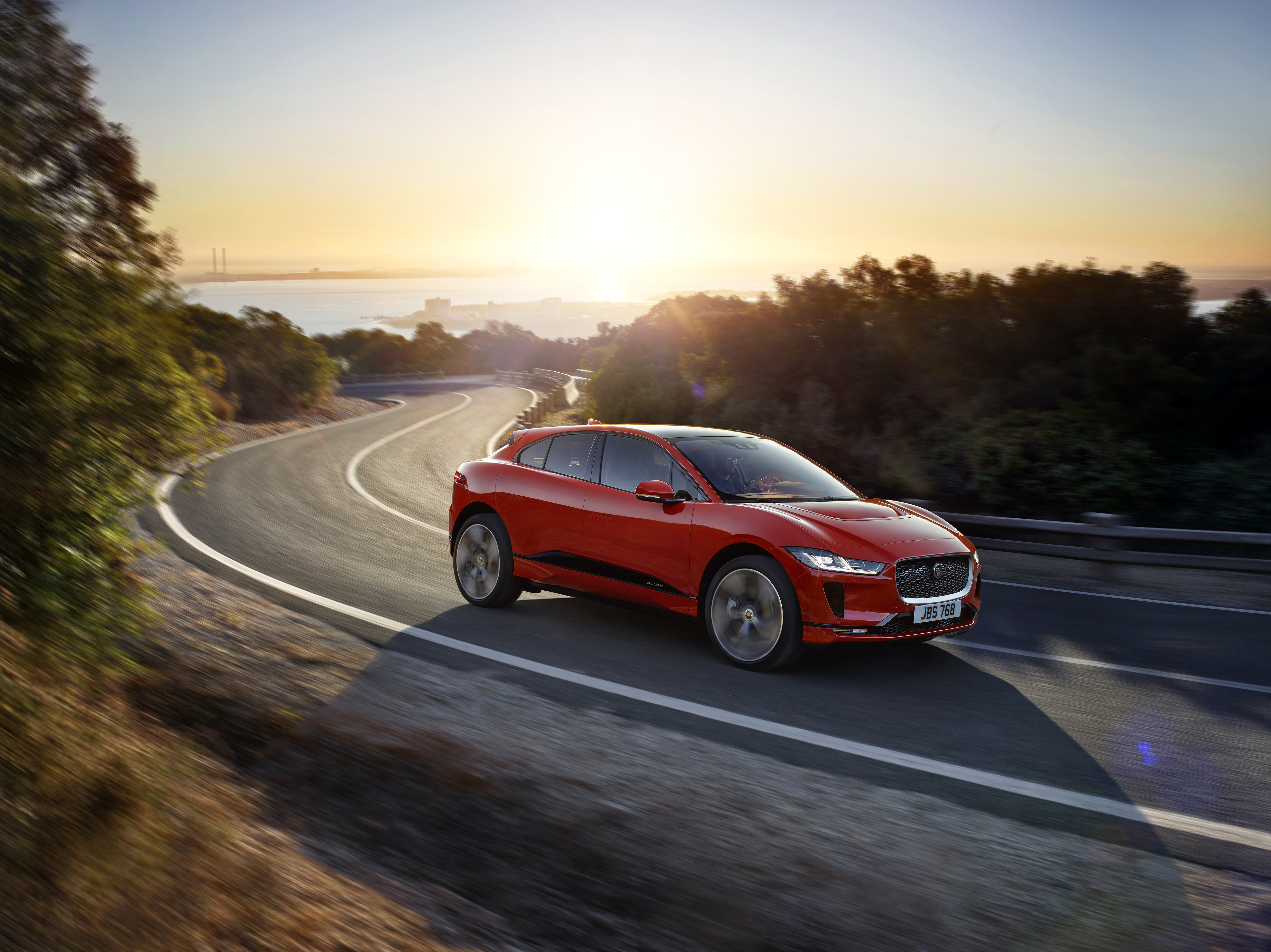 Jaguar Has Finally Fully Revealed The Official I PACE All Electric SUV, A  Vehicle With Just Under 240 Miles Of Range And A 0 To 60 Mph Time Of Under  Five ...