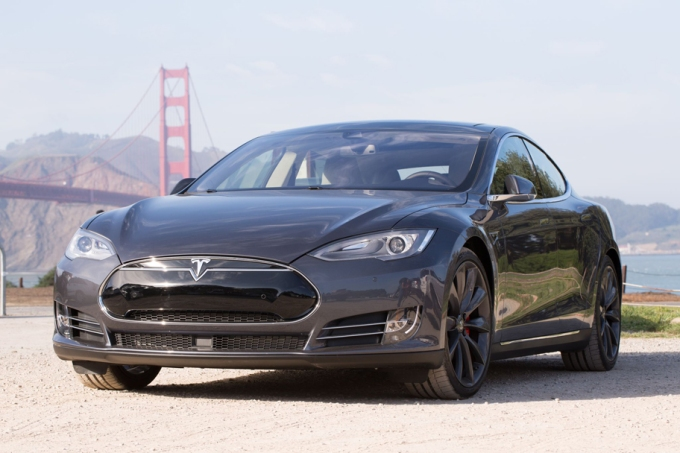 Tesla voluntarily recalls 123,000 Model S vehicles
