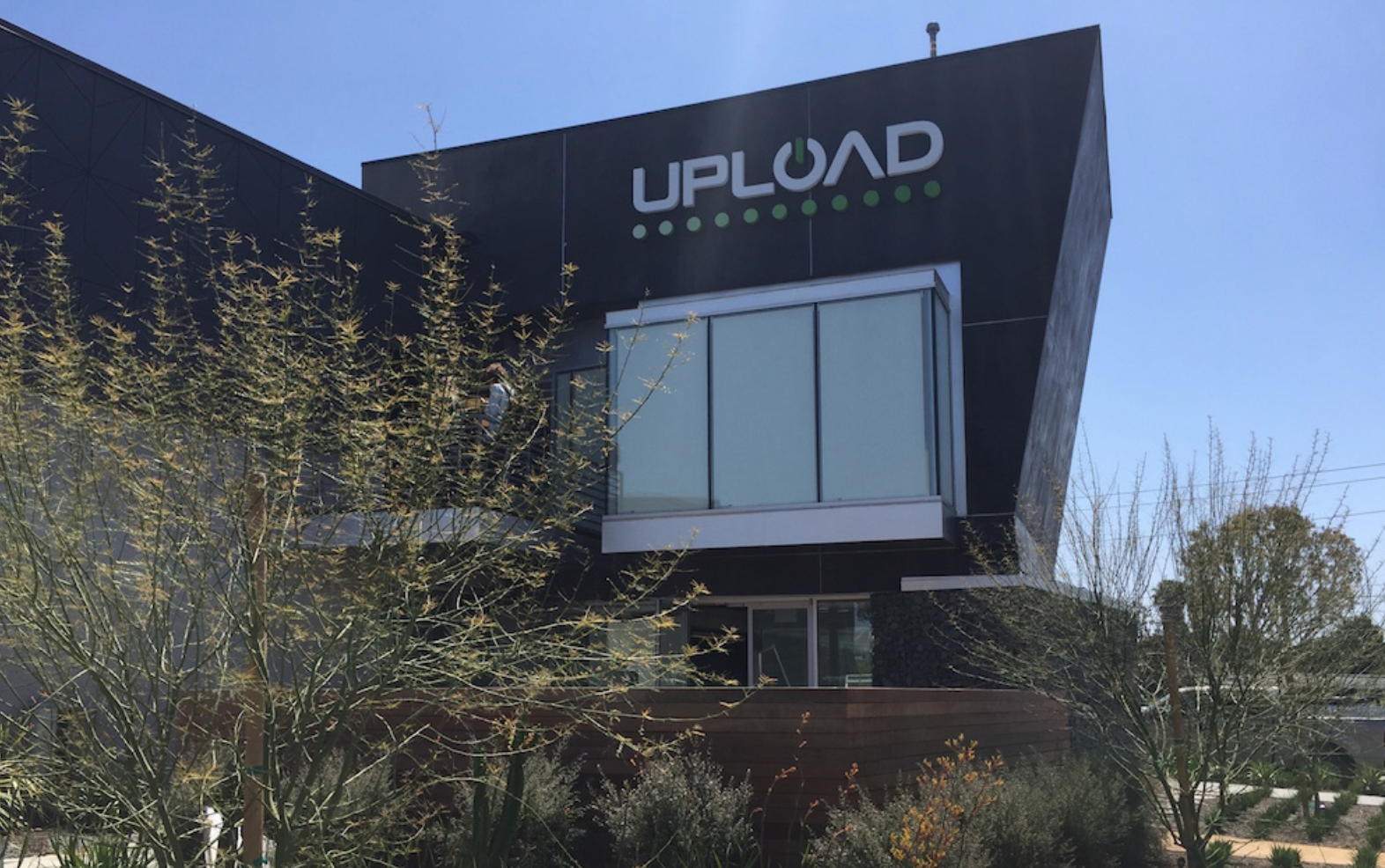 VR startup Upload shuts down its offices as funding from Oculus founder runs out