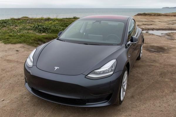 Tesla built 20% of last week's Model 3s in its fancy new ...