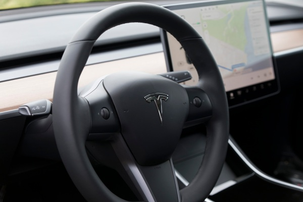 Tesla is reportedly having some network issues tesla model 3 6