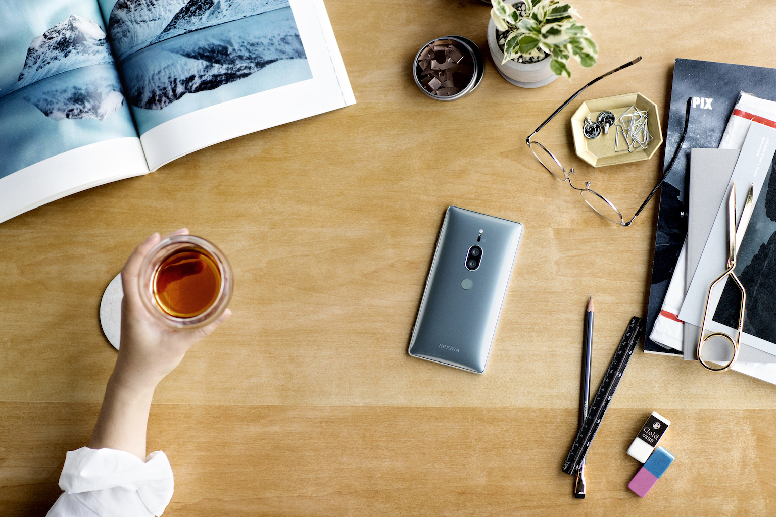 Here's the ultra-low-light phone camera Sony promised 19 xperia xz2 premium chrome silver lifestyle