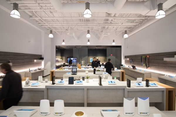 b8ta unveils Shopify-like solution for retail stores