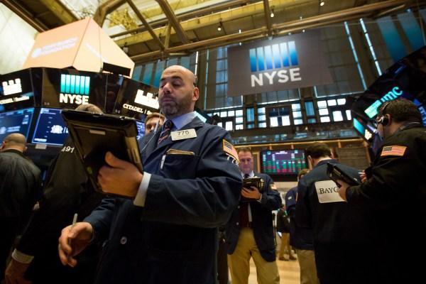 Los mercados públicos caen una vez más a medida que los recuentos de acuerdos de riesgo parecen disminuir - TechCrunch 45