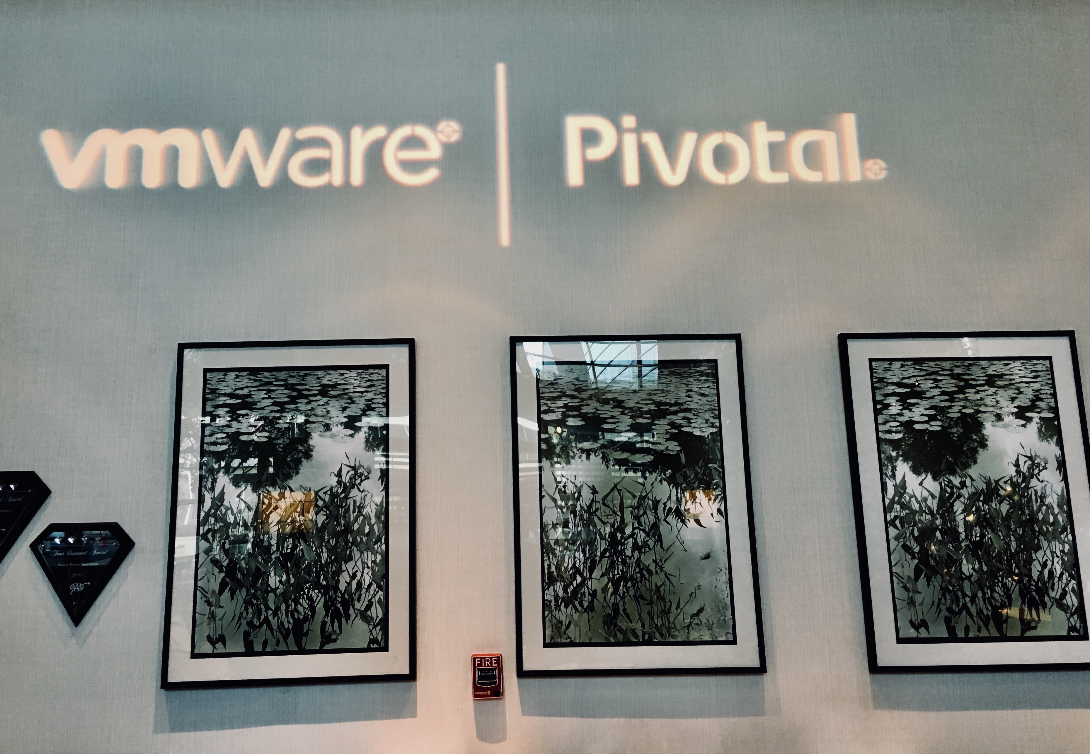 Pivotal Software, Inc. Prices Initial Public Offering