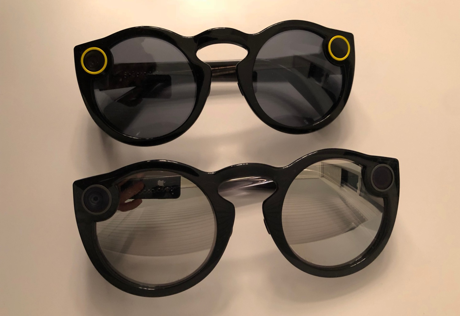 fdbf2b56380 Snaapchat Spectacles Front View V1 vs V2
