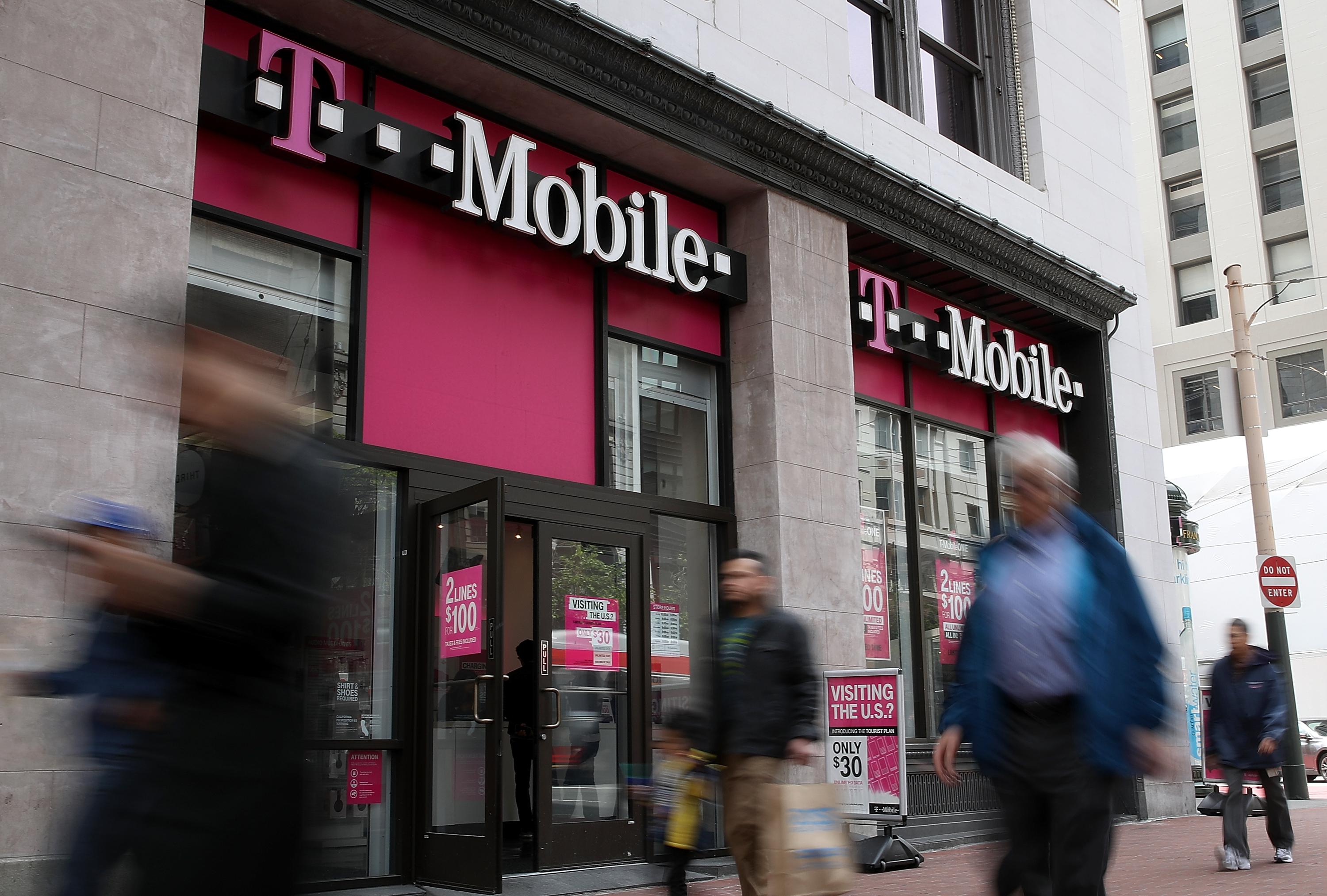 Are Shares of T-Mobile US, Inc. (NasdaqGS:TMUS) Fairly Valued?