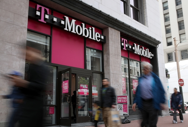 photo image FCC dings T-Mobile $40M for faking rings on calls that never connected