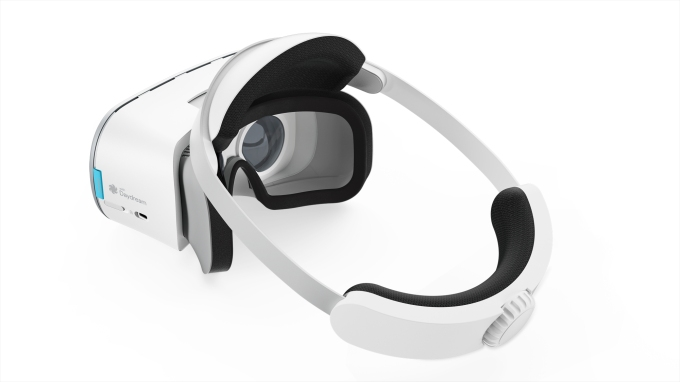Review: Lenovo Mirage Solo headset with Google WorldSense tracking