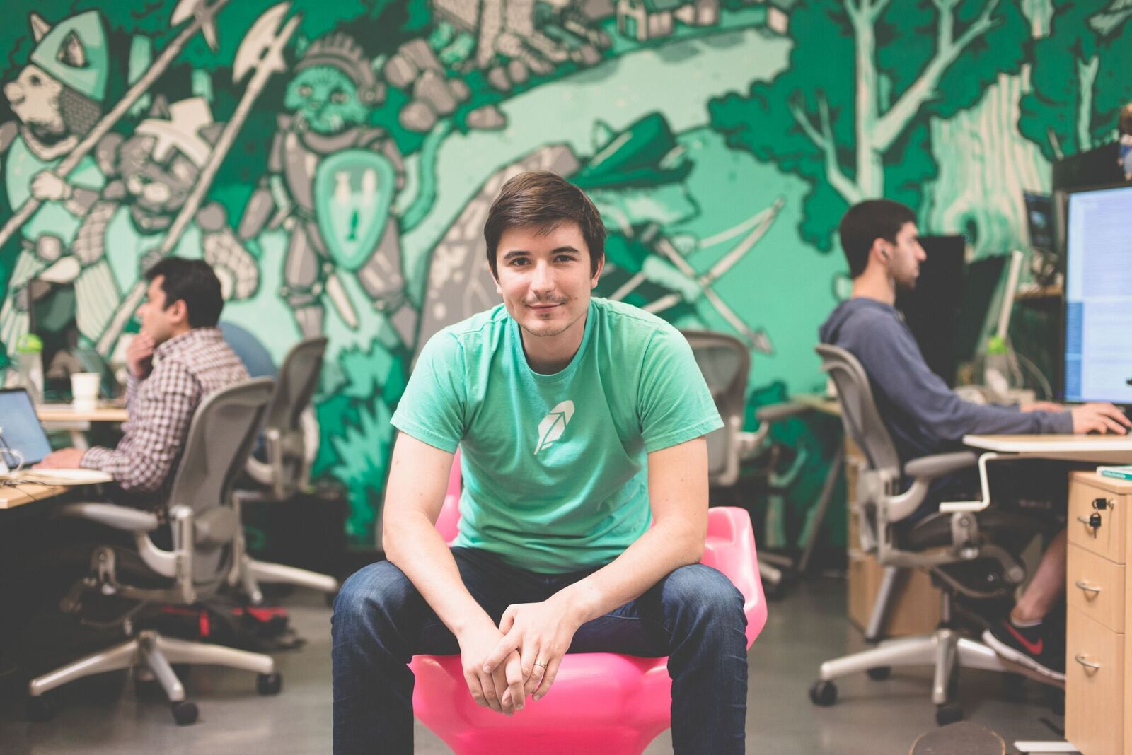 Robinhood Raises $363M in Fresh Funding Round, Closing In On Rival E