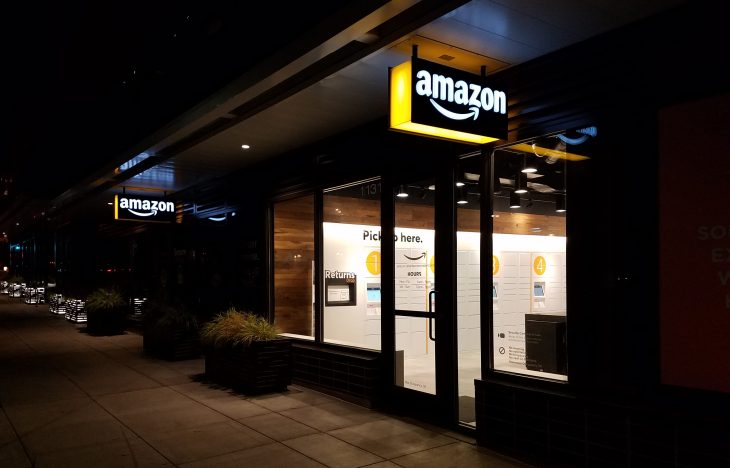 Seattle Gets Its First Staffed Amazon Pickup Delivery Hub Techcrunch