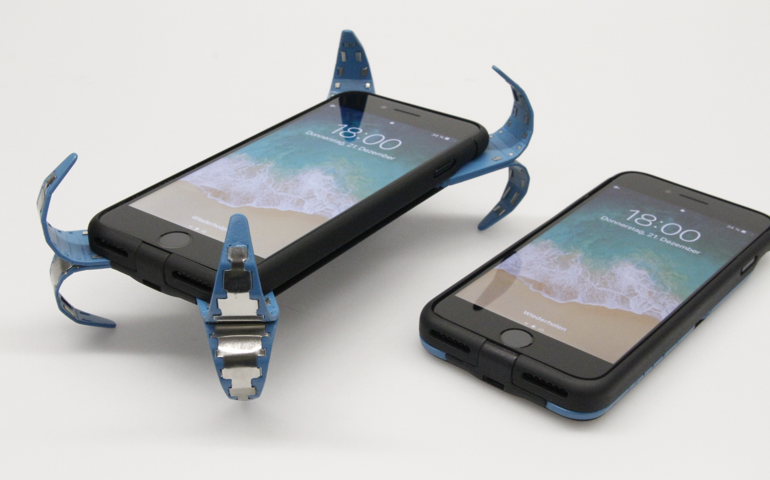 best service a7d78 c3dc6 This clever case pops open to protect your phone when you drop it ...