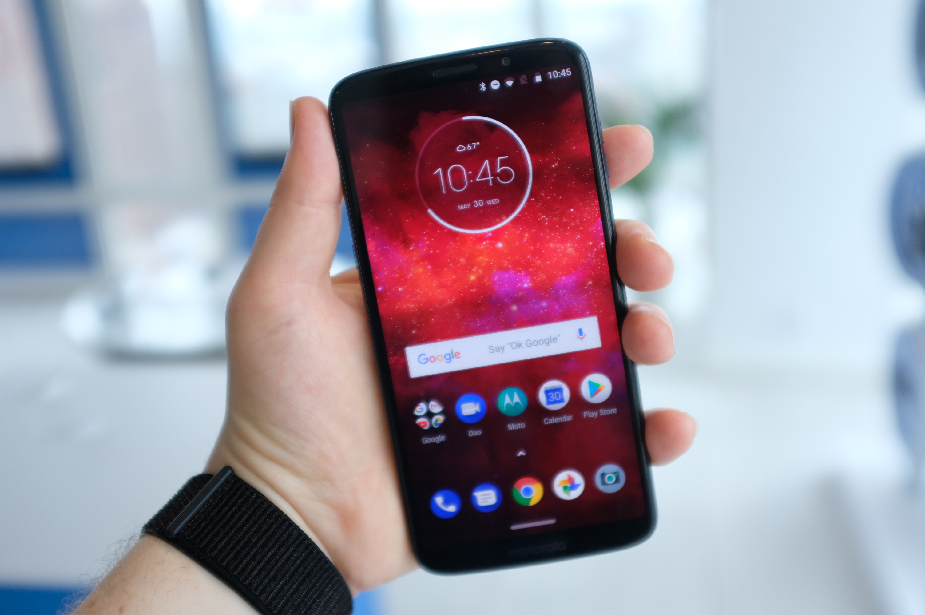 Moto Z3 Play goes official, works with all Moto Mods