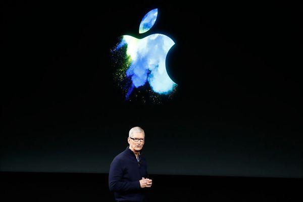 Apple buys Denver startup building waveguide lenses for AR glasses GettyImages 618584212