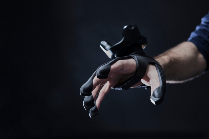Plexus gloves bring VR sensations to your fingertips | TechCrunch