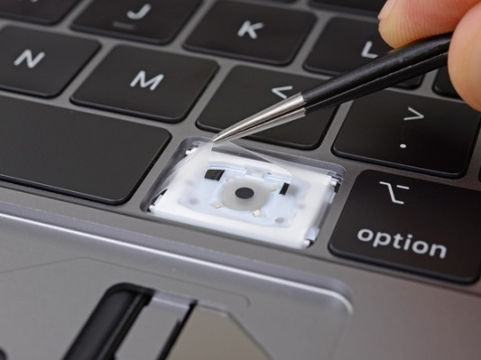 iFixit finds dust covers in latest MacBook Pro keyboard QKdxJs6wFaLuwSMW