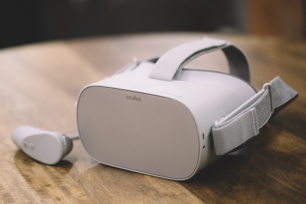 Oculus starts selling $299 Go business bundle | TechCrunch