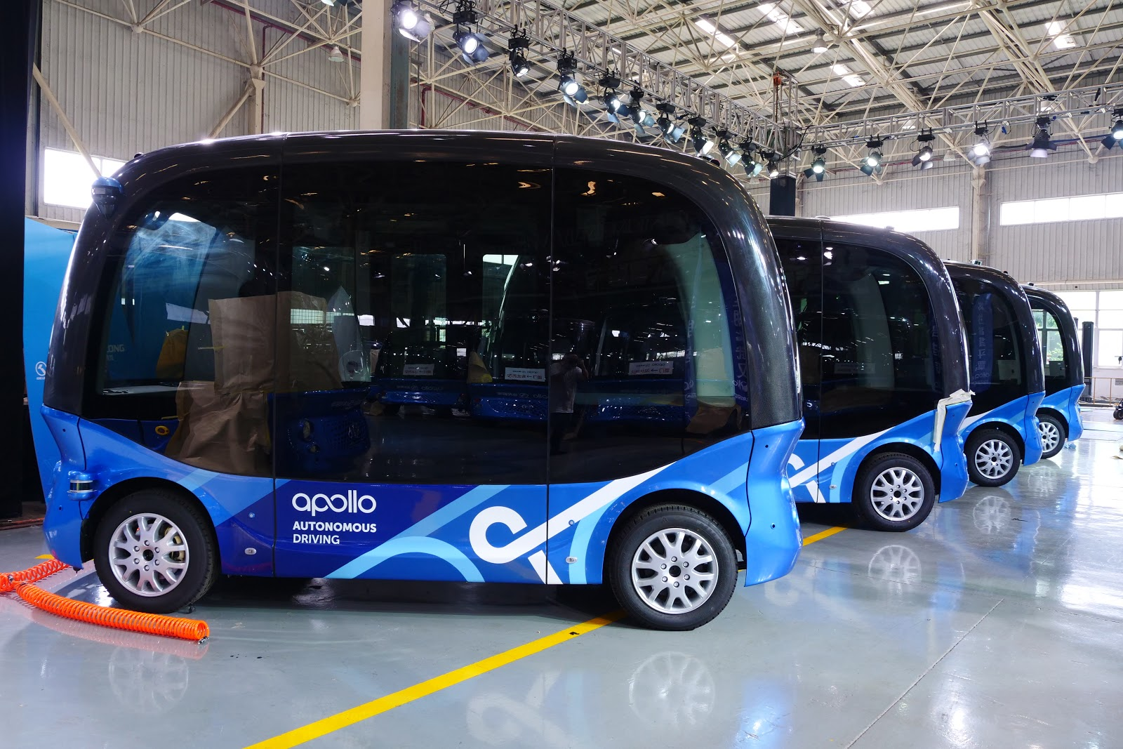 China's Internet giant Baidu rolls out 14 seater self-driving buses