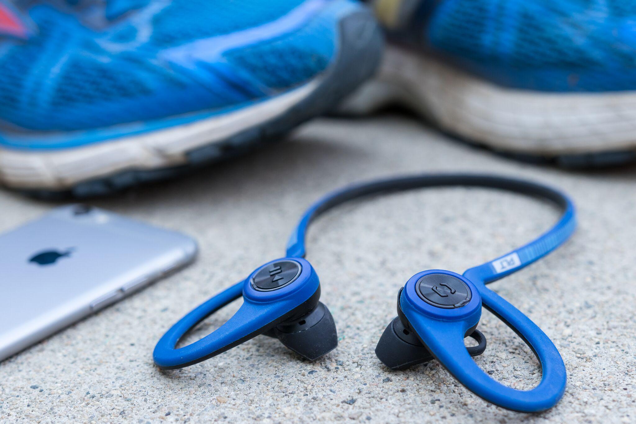 Gear for making outdoor fitness more enjoyable running headphones fullres 1424 preview