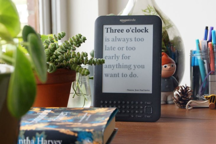 This hack turns your old Kindle into a clock | TechCrunch