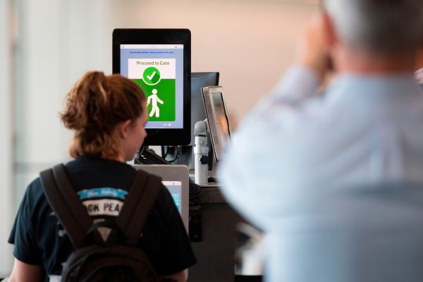 Delta to start scanning faces at airport check-in