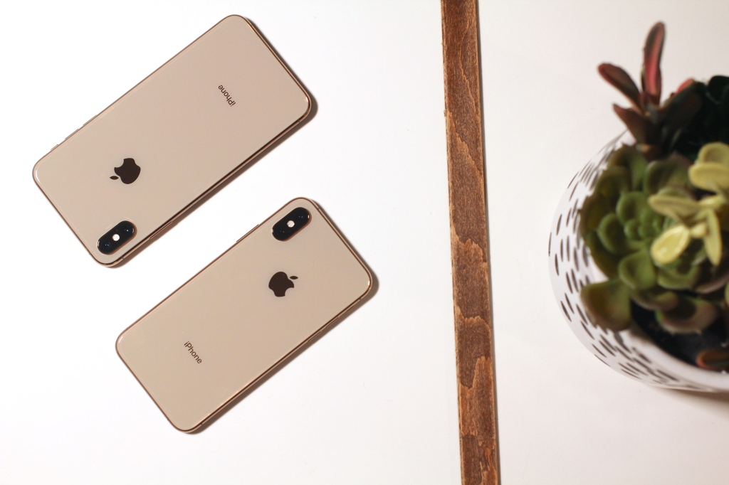 Review: iPhone XS, XS Max and the power of long-term