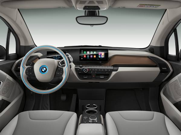 The 2019 BMW i3 now has 153 miles of range thanks to a