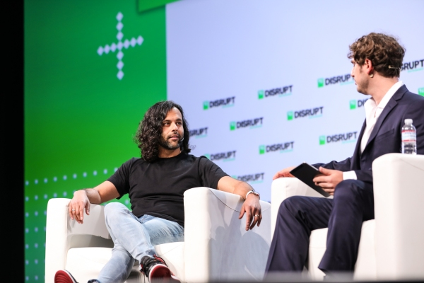 Daily Crunch: Robinhood raises $1B thumbnail