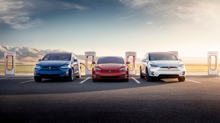 How Long Does A Tesla Take To Charge >> Elon Musk Extends Tesla S Free Supercharging For Life Offer Techcrunch