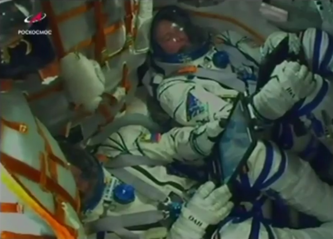 Astronauts land safely after Soyuz launch fails at 20 miles up roscos