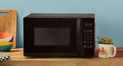 We tried Amazon's bizarre Alexa microwave and weren't