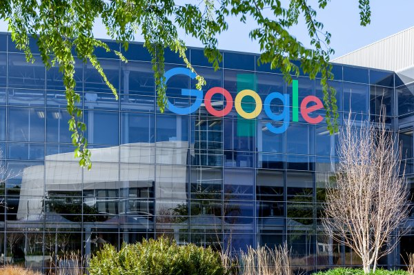 California reportedly launches antitrust investigation into Google thumbnail