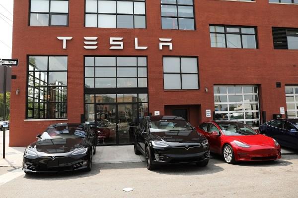 Tesla drops request for restraining order against allegedly dangerous short seller