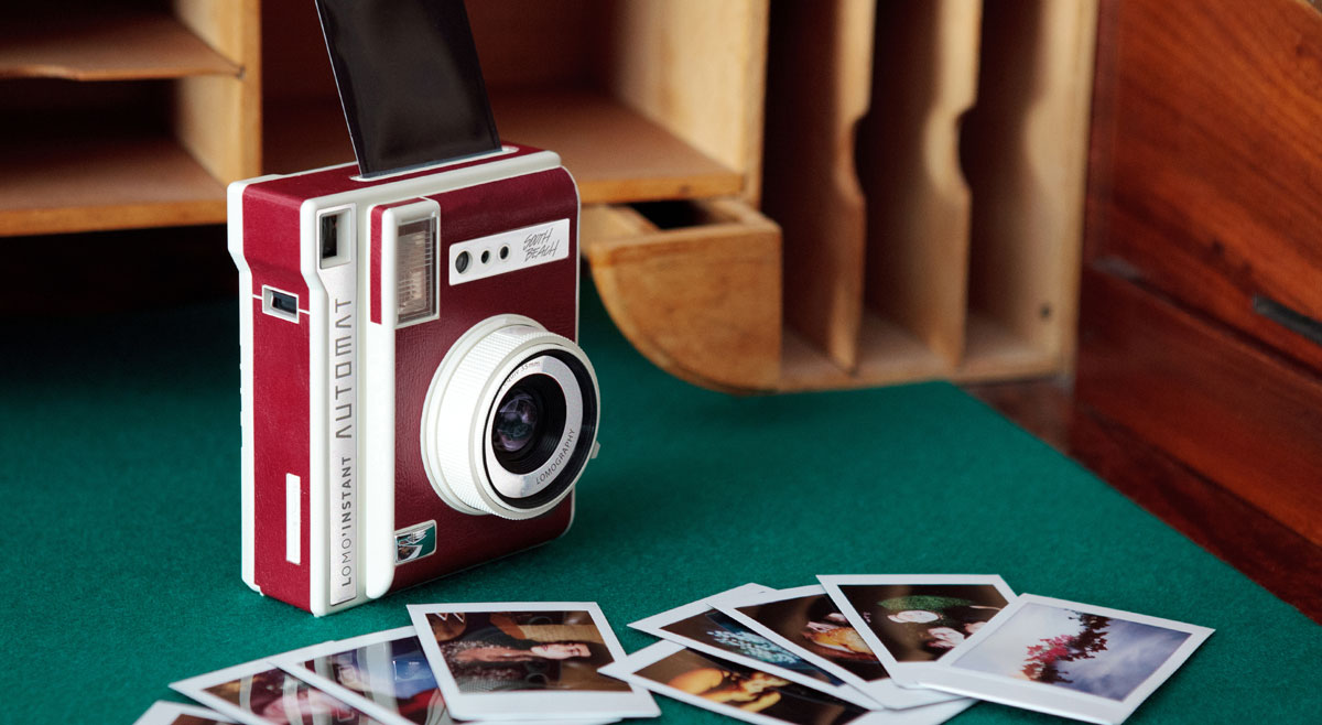 Gift Guide: 11 picture perfect gifts for your photographer friends lomo1